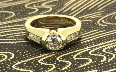 An Engagement Ring With Secret Powers!